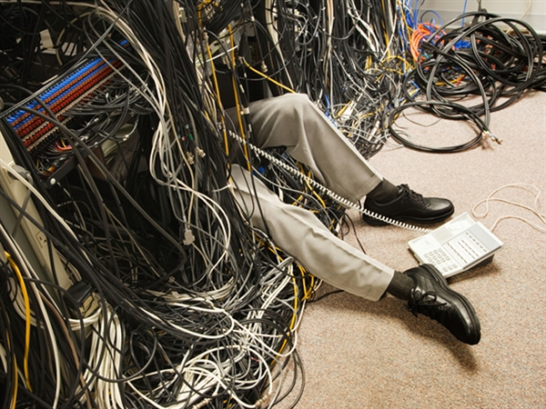 1537852681_cablemess.jpg